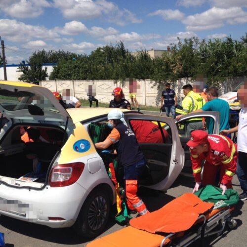 În jurul orei 11:30 pe raza municipiului Fetești s-a produs un accident rutier soldat cu decesul unei persoane și vătămarea corporală a altor 2.
